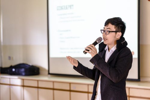 8_alumni-speaker